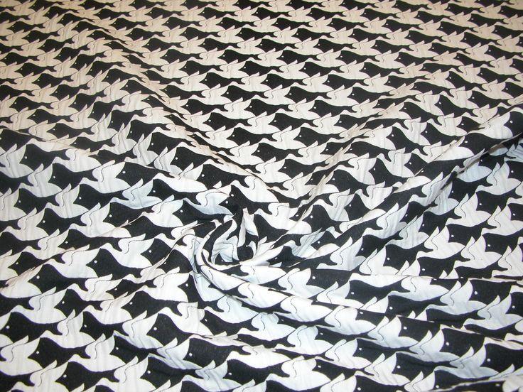 Dubbele katoen/polyester print 85% pl, 14% co. 1.50 meter breed. 170 gr/m2 Let op: de aangegeven prijs is per 10 cm, u besteld dus per 10 cm.Prijs per meter € 12,50