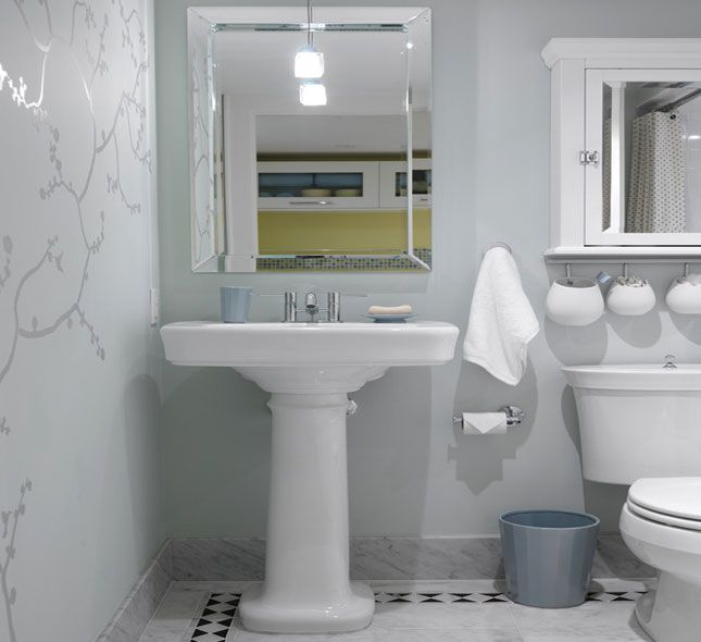 decorate small bathroom