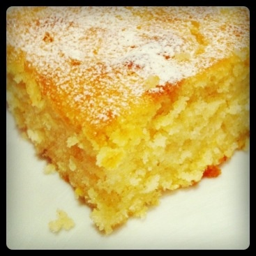 The best lemon drizzle cake. Ever.