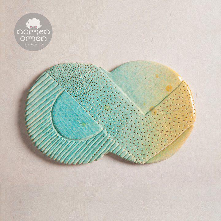 Ceramic decor/magnet for table