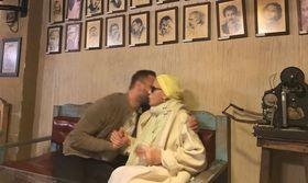 Εικόνες. Το μυστικό της Λάσκαρη. Τι είπε για τις κόρες της στον(Nassos Blog)   Είναι πολύ φυσικό να γράφονται και να λέγονται πολλά για τον ξαφνικό θάνατο της Ζωής Λάσκαρη.  from Ροή http://ift.tt/2wLl3fG Ροή