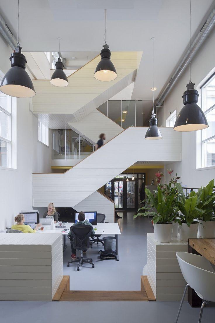 CENTRUM / VEENKADE Transformatie van kerk tot kantoor door BBVH architecten BV - Opdrachtgever: Acato. Adres: Veenkade