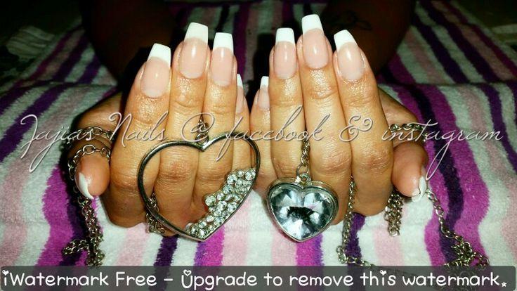 Mallade akryl naglar med förlängd nagelbädd