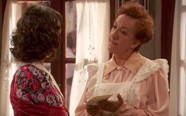 Il Segreto anticipazioni: Gracia riceve un aiuto non richiesto! Gracia, raccogliendo il suggerimento di Fè, si darà da fare per chiedere aiuto alle donne di Puente Viejo per la sfilata di costumi da bagno femminili, ma tutte sembrano alquanto molto titubanti a pa #ilsegreto #anticipazioni #tvsoap