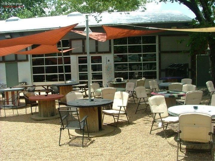 Viewalongtheway Backyard : Jacks Backyard  Dallas (closed now) Repurposed cable spools  DIY