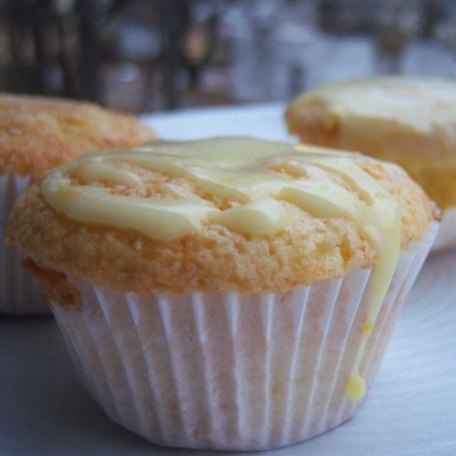 orange & cream cupcakes (orange cupcake, orange icing and vanilla cream filling)