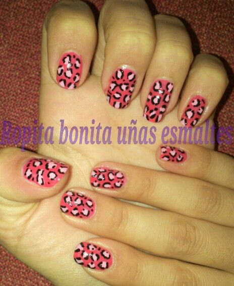 Diseño de leopardo con fucsia y un rosado muy pastel :)