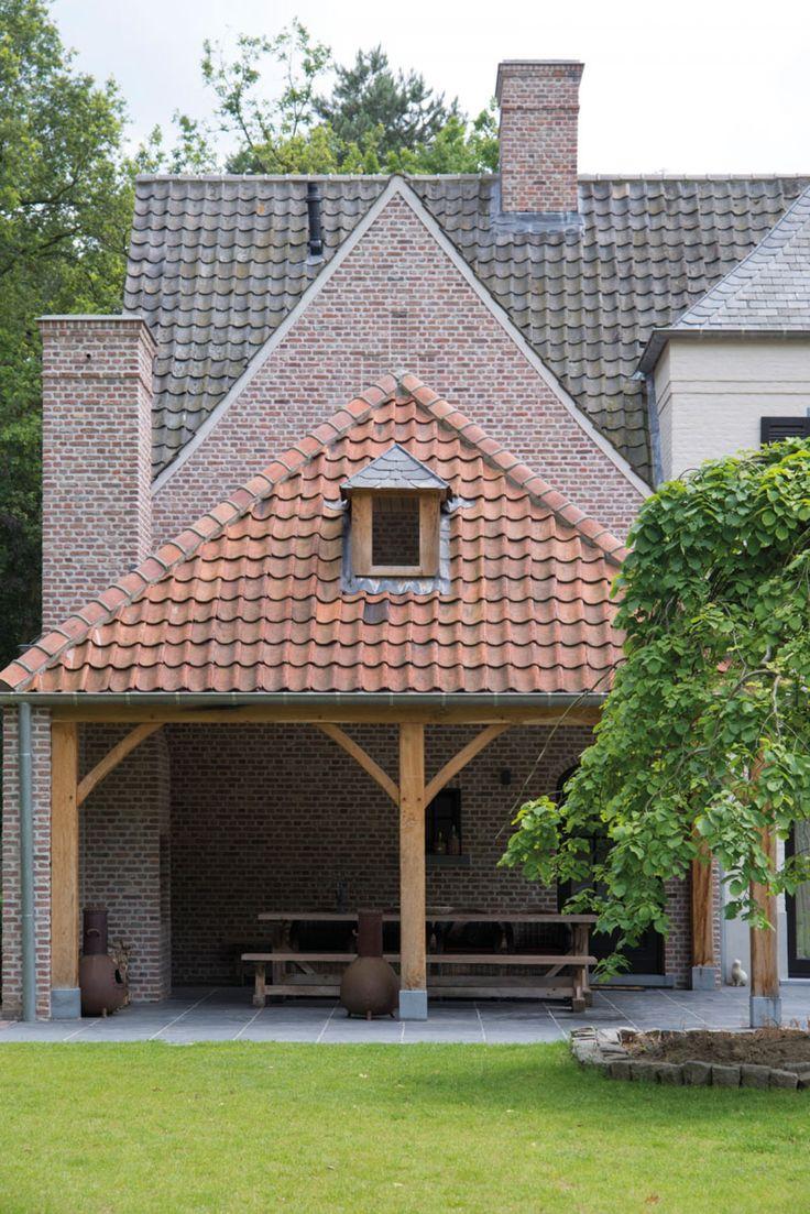 Realization Domus Aurea. Image via Home Sweet Home.