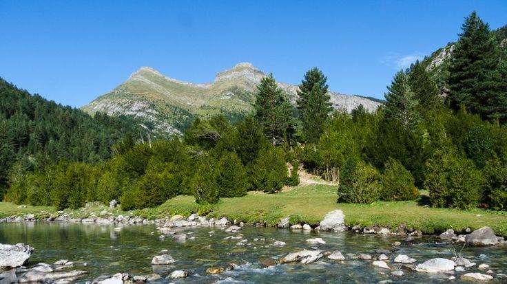 Lugares recónditos de los pirineos de Huesca, Valle de Bujaruelo - http://www.casabiescas.es/blog/alojamiento-pirineos-huesca-bujaruelo/