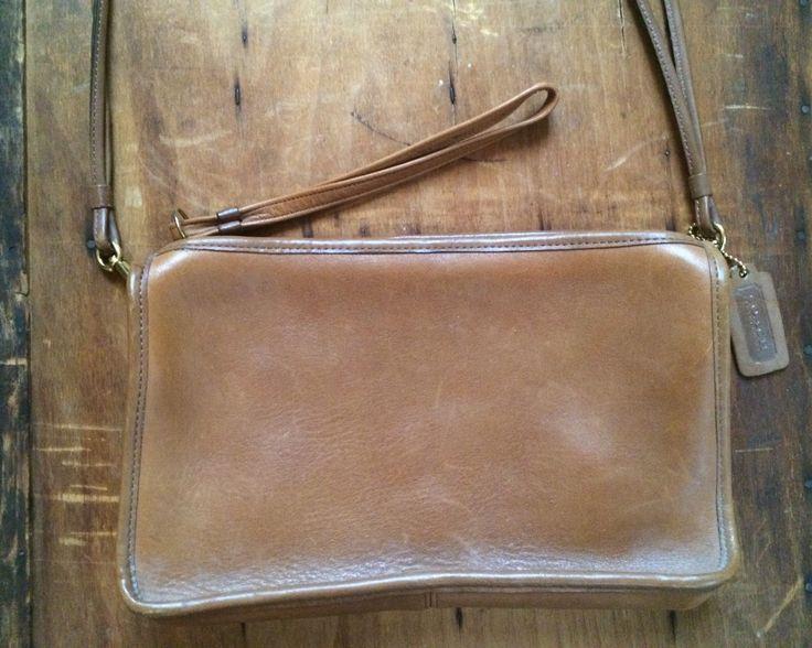 Vintage 1980's Coach Messenger Bag Purse/ Light Brown Leather Zipper Purse by CampCreekVintage on Etsy