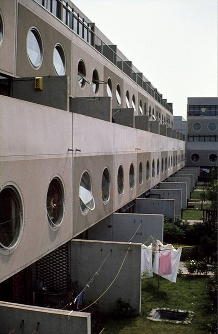 Runcorn Newtown Housing - James Stirling - There seems to be no link - pinning in the hope that someone will know where? (DG)