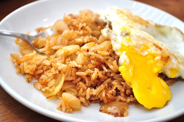 and spam fried rice recipes dishmaps sriracha and spam fried rice ...