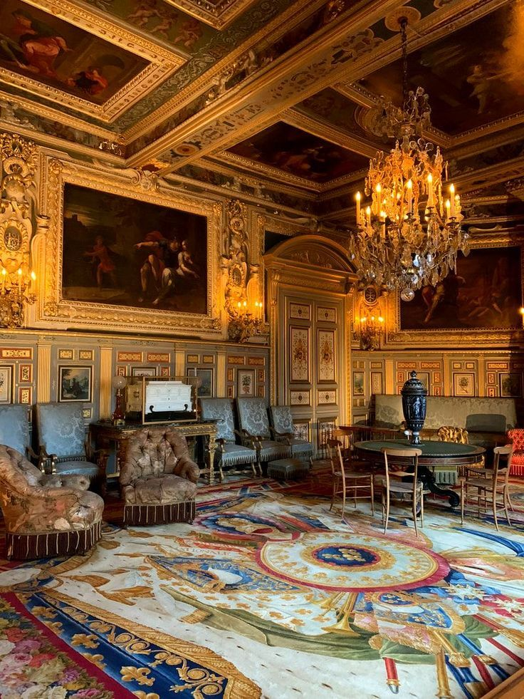 A Day Trip To The Chateau De Fontainebleau From Paris Chateaux Interiors French Architecture Fontainebleau