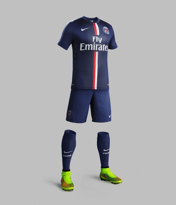 Le nouveau maillot domicile du PSG enfin dévoilé!