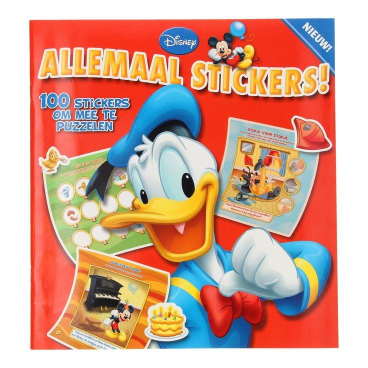 Ga mee op avontuur met Donald, Mickey en andere bekende vriendjes uit Disney's Duckstad. Help mee op de boerderij en de brandweerkazerne. Daarna is het tijd voor een feestje! Los de vrolijke puzzels in dit uitgebreide boek op door de stickers op de juiste plaats te plakken. Met 100 stickers raak je niet uitgepuzzeld! Afmeting: stickerboek 28 x 26 cm - Disney Stickerboek Donald