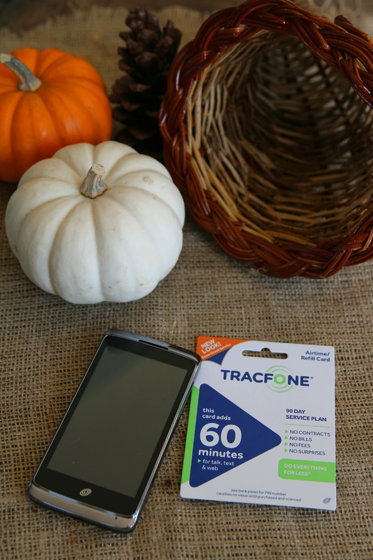 This is how we easily stay in touch with far away family! AD #TracFoneFamily