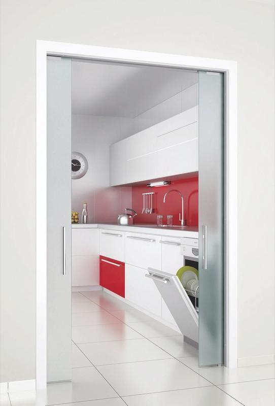 puertas-de-interior-empotradas entre 2 tabiques-de cristal traslucido #reformasintegrales #cocinas #reformascalidad