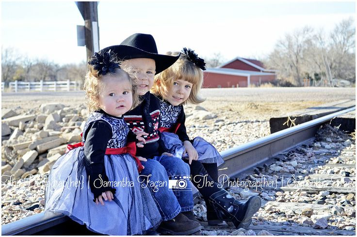 family pictures by The Photograp{her}