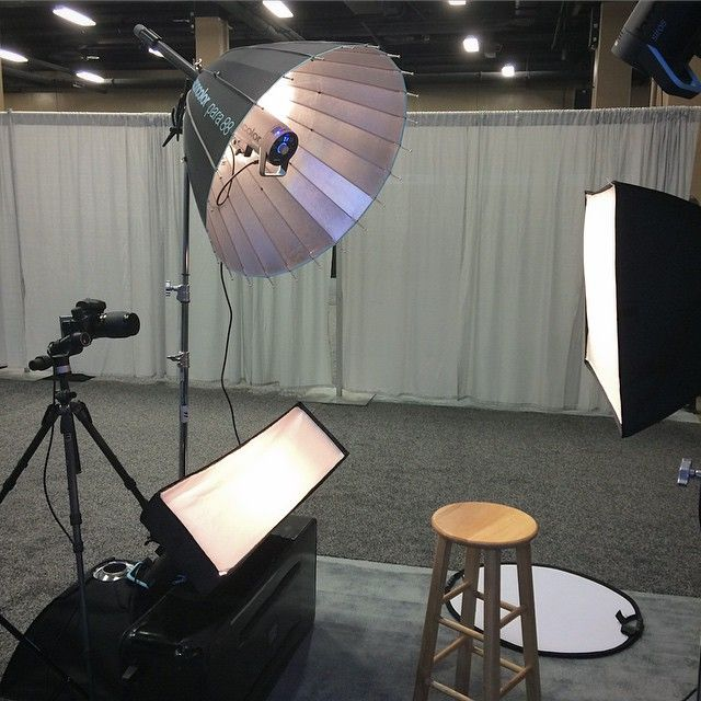... on that stool is instantly transformed into a Maybelline advertisement. Crispy key light with a wide fill. Iu0027ll be cooking up killer lighting all day ... & 56 best Lighting images on Pinterest | Photography Lights and Canon azcodes.com