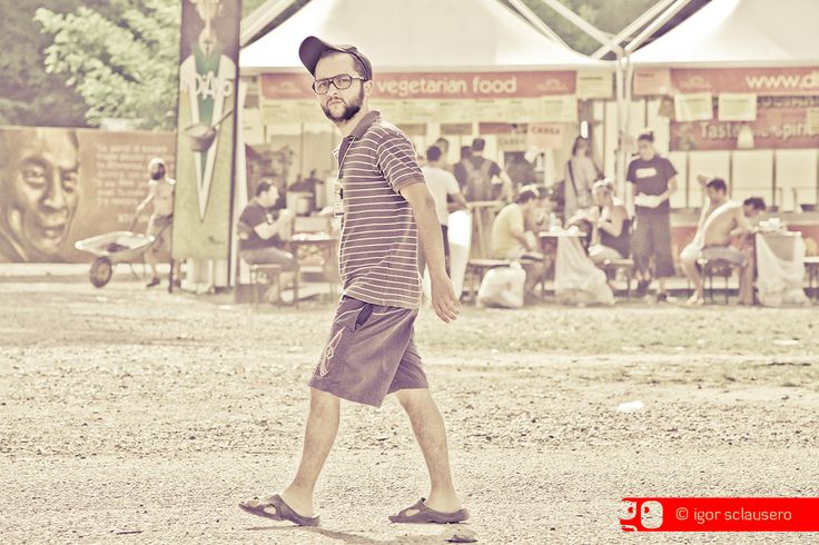 man vs food - Rototom Sunsplash European Reggae Festival  http://www.rototomsunsplash.com  © Igor Sclausero #rototom #sunsplash #reggae #festival @rototom