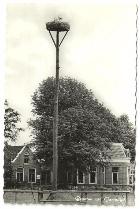 Gorredijk - Groeten uit Gorredijk - poststempel 1962 - Boekhandels Jaring Moll en Lageveen