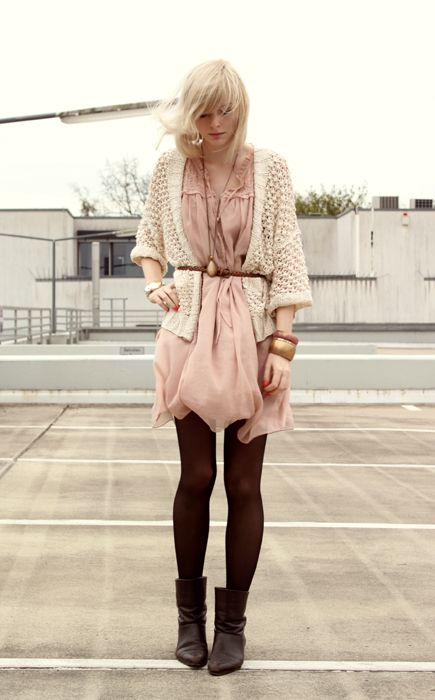 Pastels & black tights<3 I'm dying, its wayyy too perf for me to handle! I want this style so badly! >~< <3