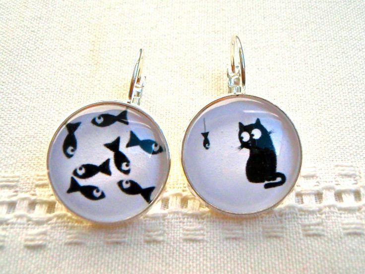 """Boucles d'oreille """"chat et poissons"""" noir et blanc de Thislia créations sur DaWanda.com"""