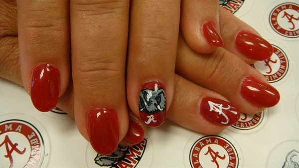 "If I only ""did"" nail art...this would be fun for game day."