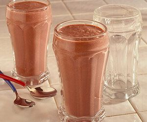 Easy Chocolate Shakes -Fat-free pudding mix makes these easy-to-fix shakes unbelievably thick and creamy while keeping the calories and fat low.