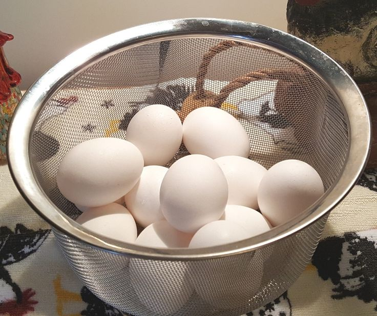Pressure Cooker Easy Hard Boiled Eggs {Instant Pot} | This Old Gal - 2 minutes high pressure - 4/19/17 Absolute *perfeggtion*! Done without green ring and soooo easy to peel (www.ChefBrandy.com)