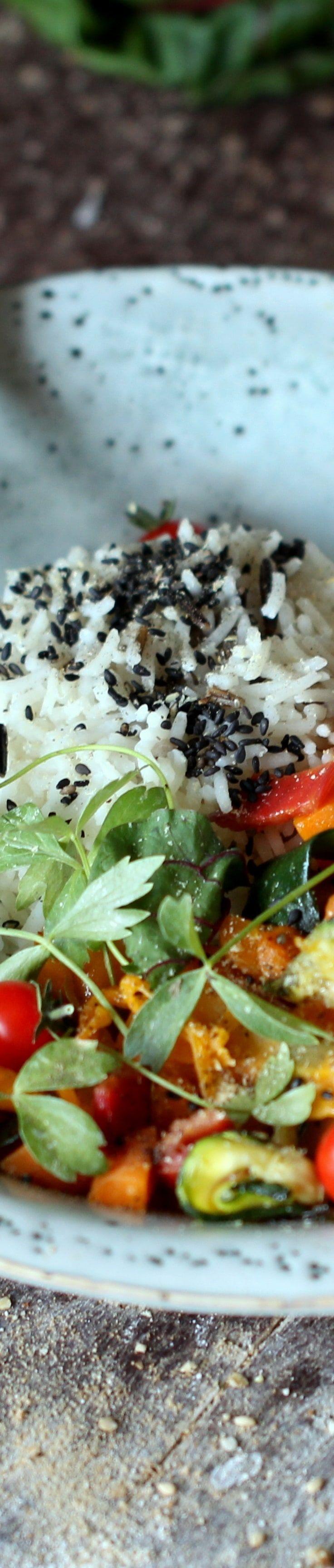 Regenbogen Reis Pfanne - mit Basmati Reis und Gemüse