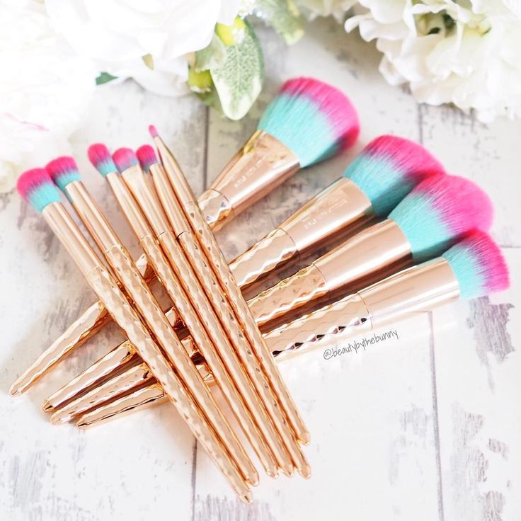 Bold and beautiful makeup brushes! Brighten up your dressing table with GWA's Rainbow Collection makeup brush set. Pic by beauty and fashion blogger @beautybythebunny #GWALondon