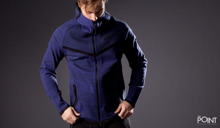 Chaqueta Nike Tech Knit Windrunner Violeta, la marca norteramericana #Nike nos presenta esta excelente chaqueta fabricada con tejido #Flyknit, que pertenece a la excelente línea #TechKnit, con propiedades alucinantes, muy apta para cualquier deporte y que ya puedes encontrar en varios colores en nuestra #tiendaonline #ThePointSelectedSneakers, o haciendo clic en este enlace: http://www.thepoint.es/es/ropa-nike/1519-chaqueta-hombre-nike-tech-knit-windrunner-violeta.html