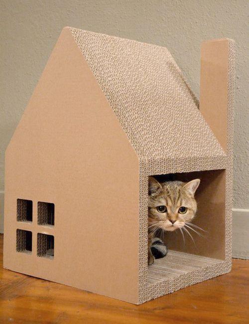 Krabhuis, casa de cartón para cobijarse, rascar y jugar.