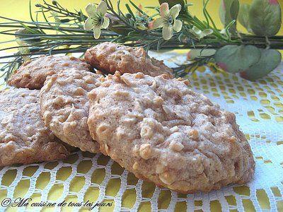 Biscuits à l'avoine allégés sans beurre avec compote de pommes et yogourt