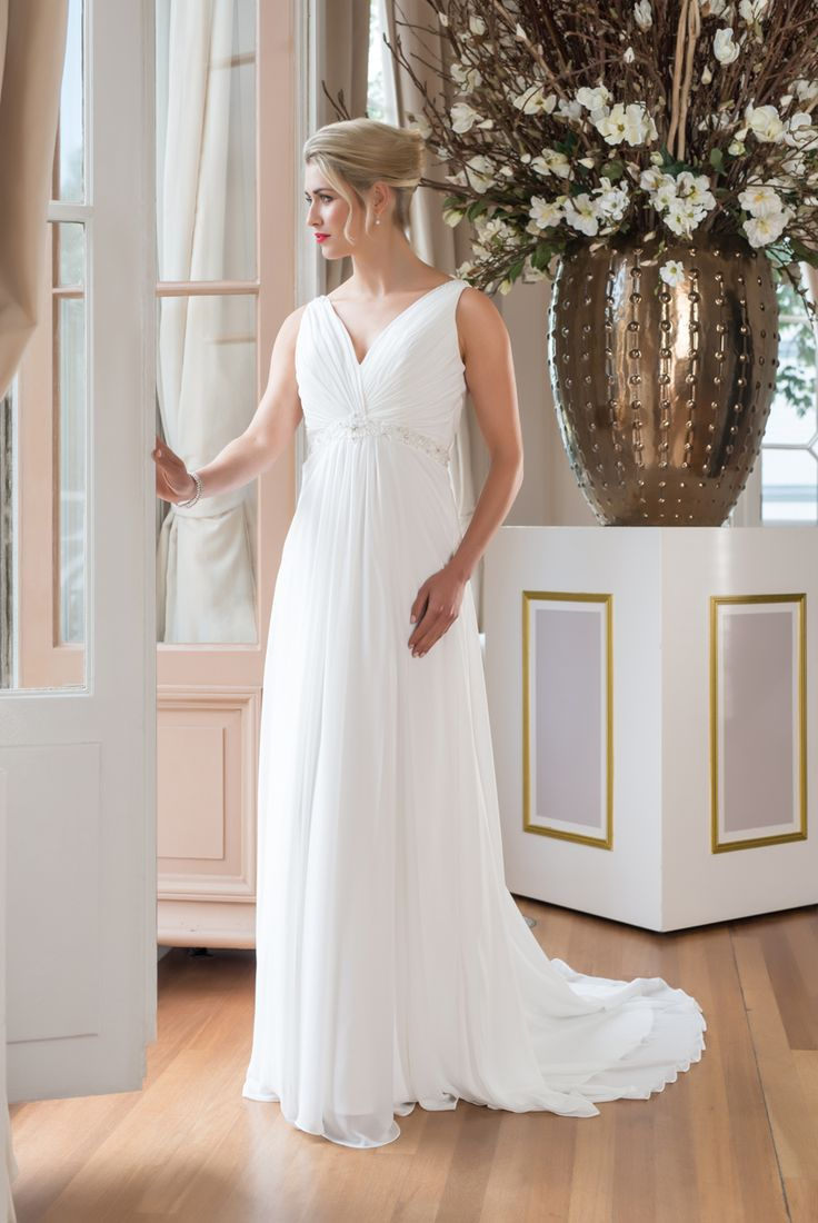 WR33 from the Mylène Sophie bridal collection