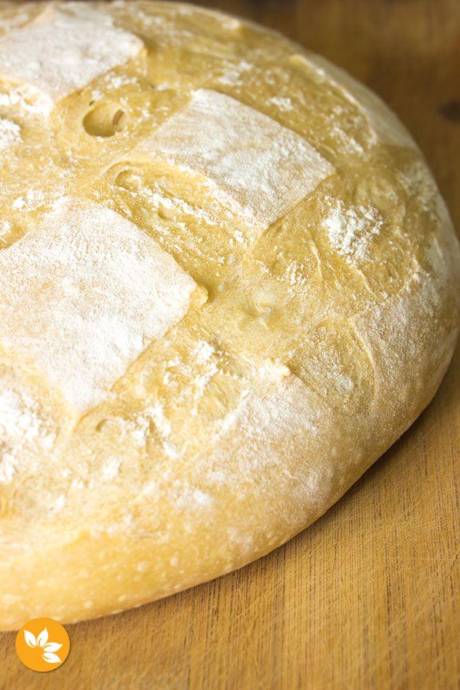 Pão Italiano com Fermentação Natural - Levain. Receita super fácil de fazer, com casquinha crocante e super macio por dentro.