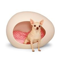We don't have pets, but if they did, this would be a cool place for them to sleep!  domicile pet pod