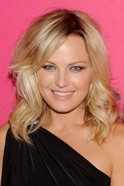 Malin Akerman Medium Curls