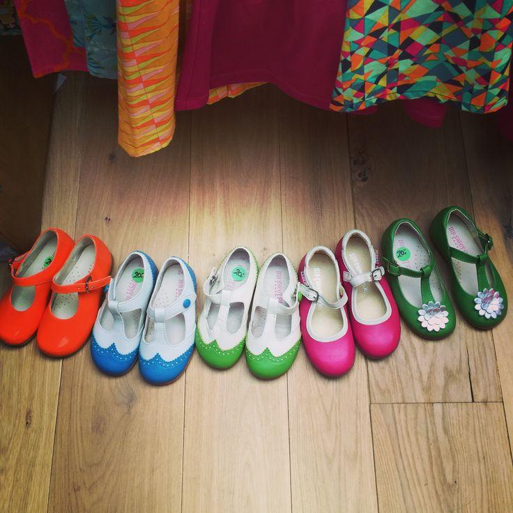 In voorbereiding voor de zomerse fotoshoot. Hmmm.....welke van deze zoete schoentjes zullen we eens gebruiken? met dank aan #MySweetShoe!  #kinderschoenen #kinderkleding #kinderen #shoes #kids #jurkjes #dresses