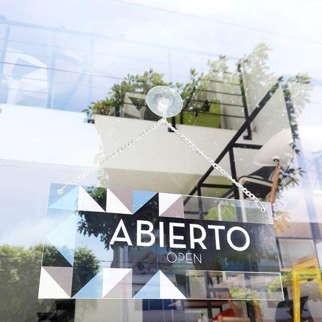 Acá preparados para recibirlos con la mejor actitud #estudioacinco #acincoteam #interiorismo