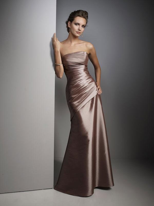 Plisowana suknia z błyszczącej satyny. Suknie Noviamor. BB1020