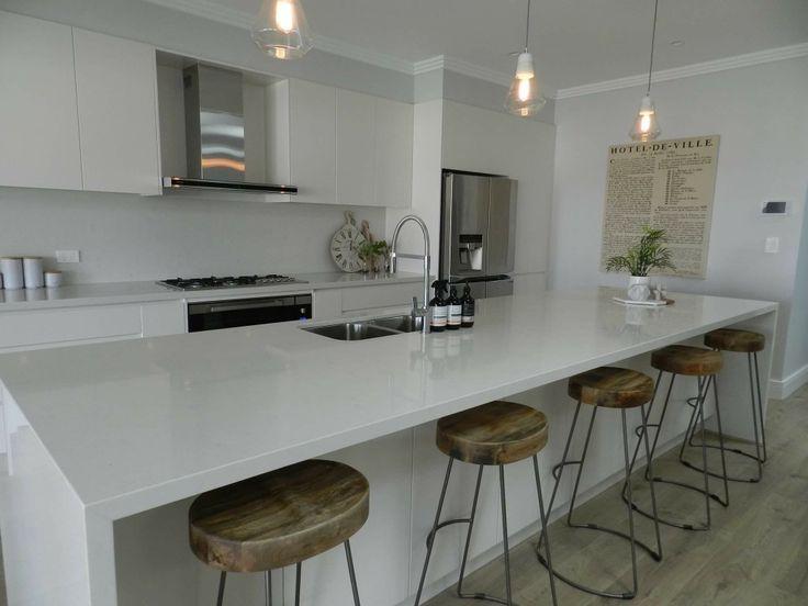 kitchen quartz countertop in Carrara