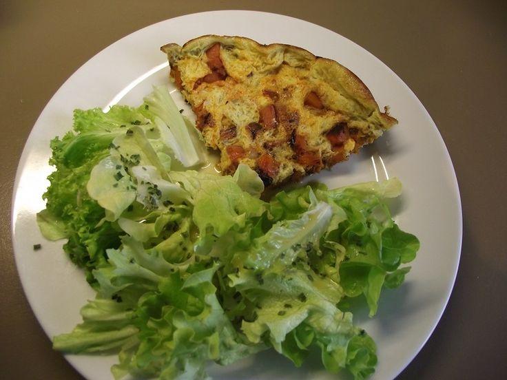 Je revisite la tortilla de mon enfance : sans laitage, au chorizo et à la patate douce. Olé !! Une idée pour un soir, avec une belle salade verte ou un pique-nique improvisé à la campagne? Sans gluten, sans laitage et sans sucre, voici une petite merveille façon tortilla espagnole: omelette au chorizo avec des patates douces et des ...