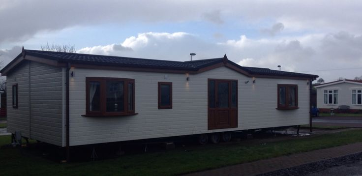 Beautiful lakeland residential park home brand new 2015 model available now at willow park burnhouse North Ayrshire Scotland