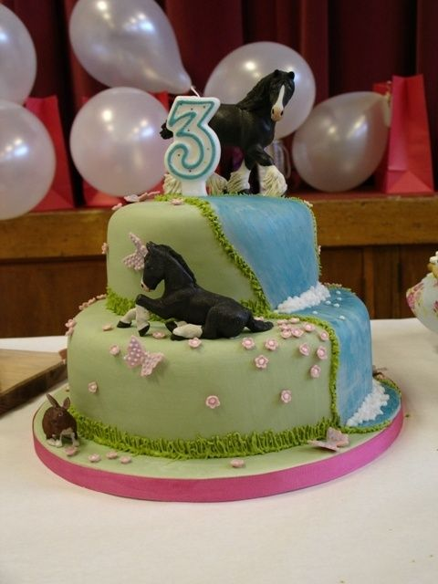 Cake idea for if livi ever really gets into horses