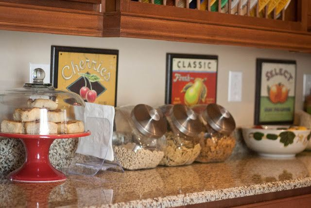 Breakfast Station. Such a smart {and CUTE idea} for breakfast before school!
