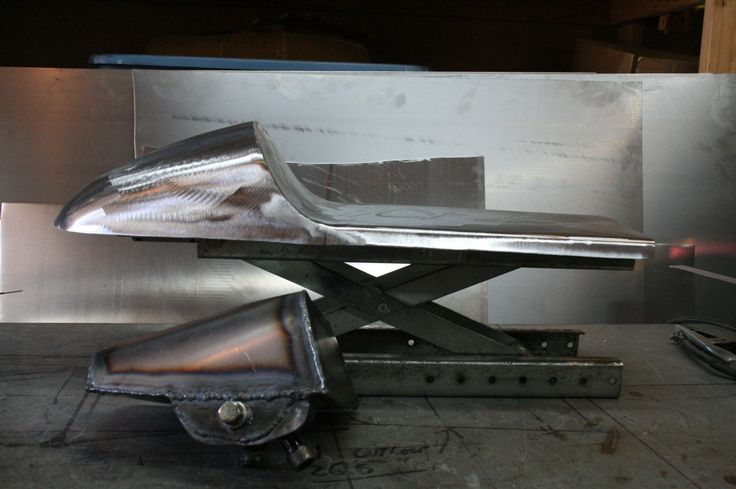 honda cb750 cafe racer seat custom oil tank under seat pan tail