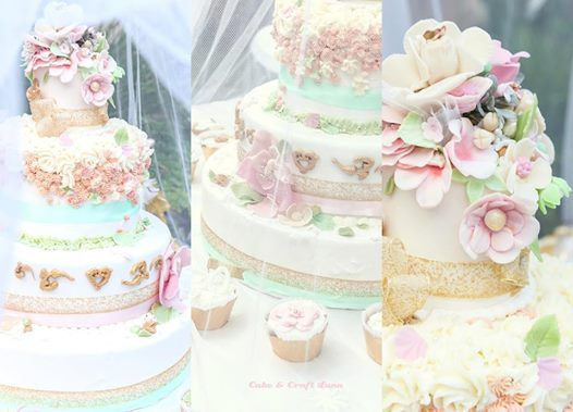 Cake decorata per nozze d'oro con pandispagna ai fiori d'arancio