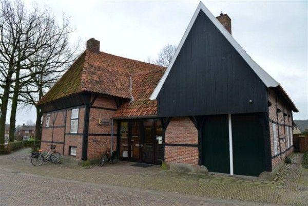 Onderwijsmuseum Educatorium, Ootmarsum. Hier kan men de schooltijden van na de oorlog herbeleven.